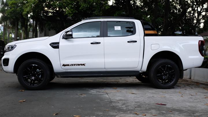Ford Ranger Wildtrak profile