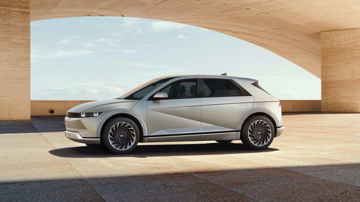 Hyundai Ioniq 5 profile