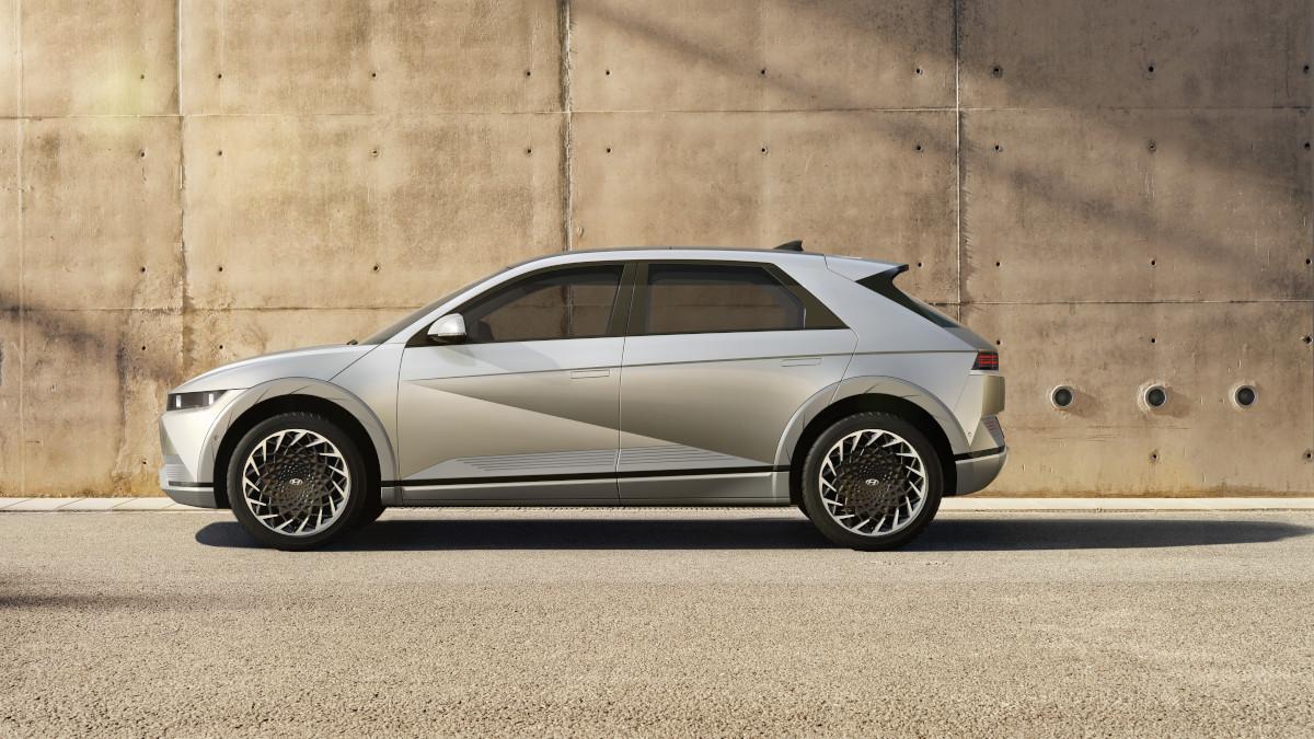 Hyundai Ioniq 5 profile with concrete background