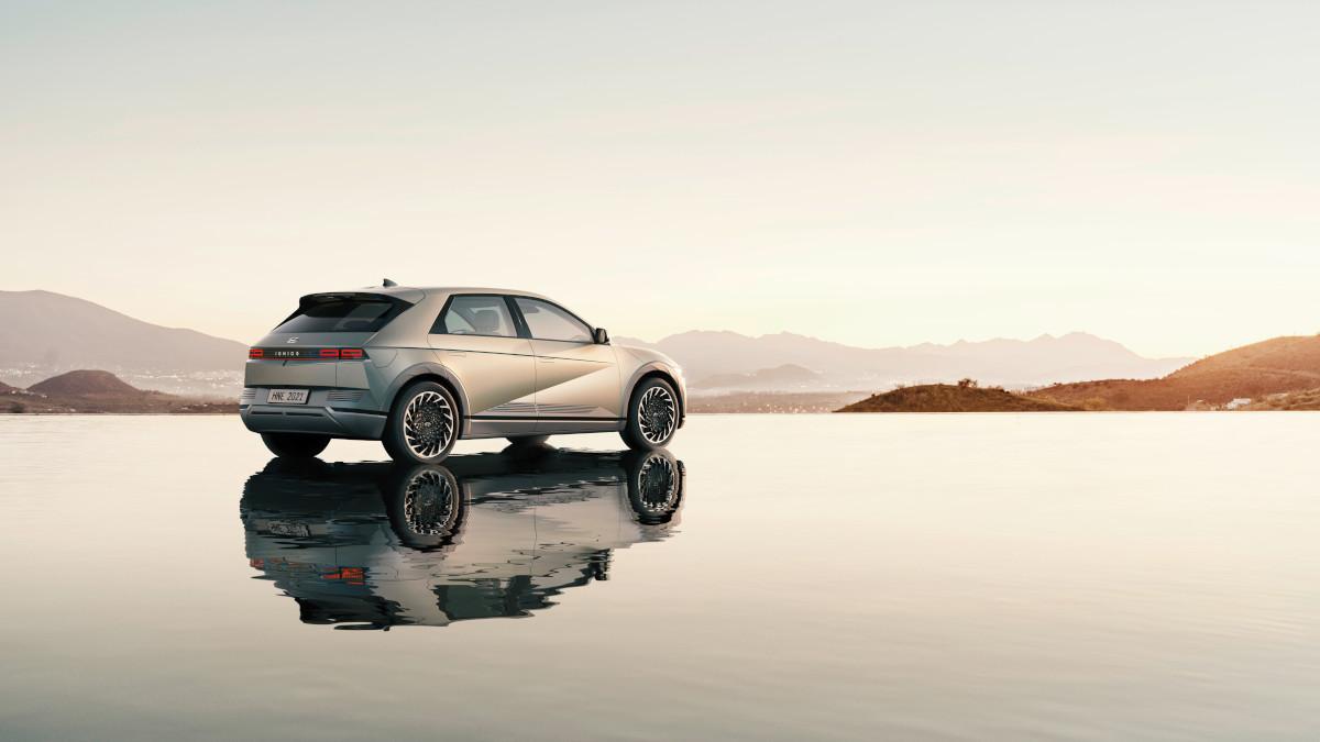 Hyundai Ioniq 5 on water