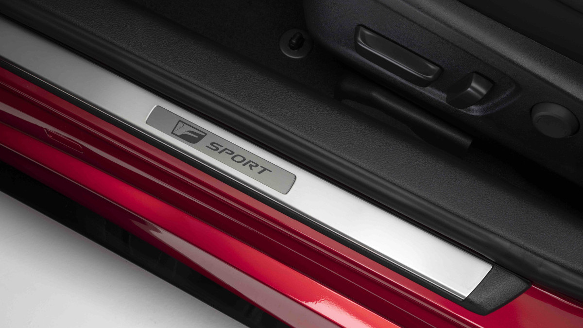 2022 Lexus IS500 F Sport Performance driver's seat door