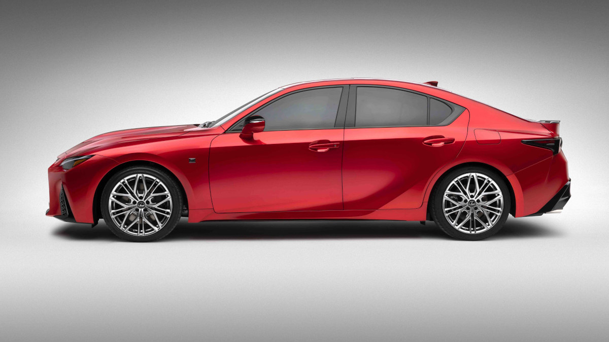 2022 Lexus IS500 F Sport Performance profile
