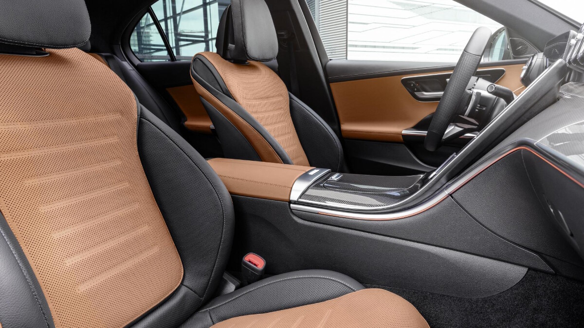 Mercedes-Benz C-Class interior brown detail