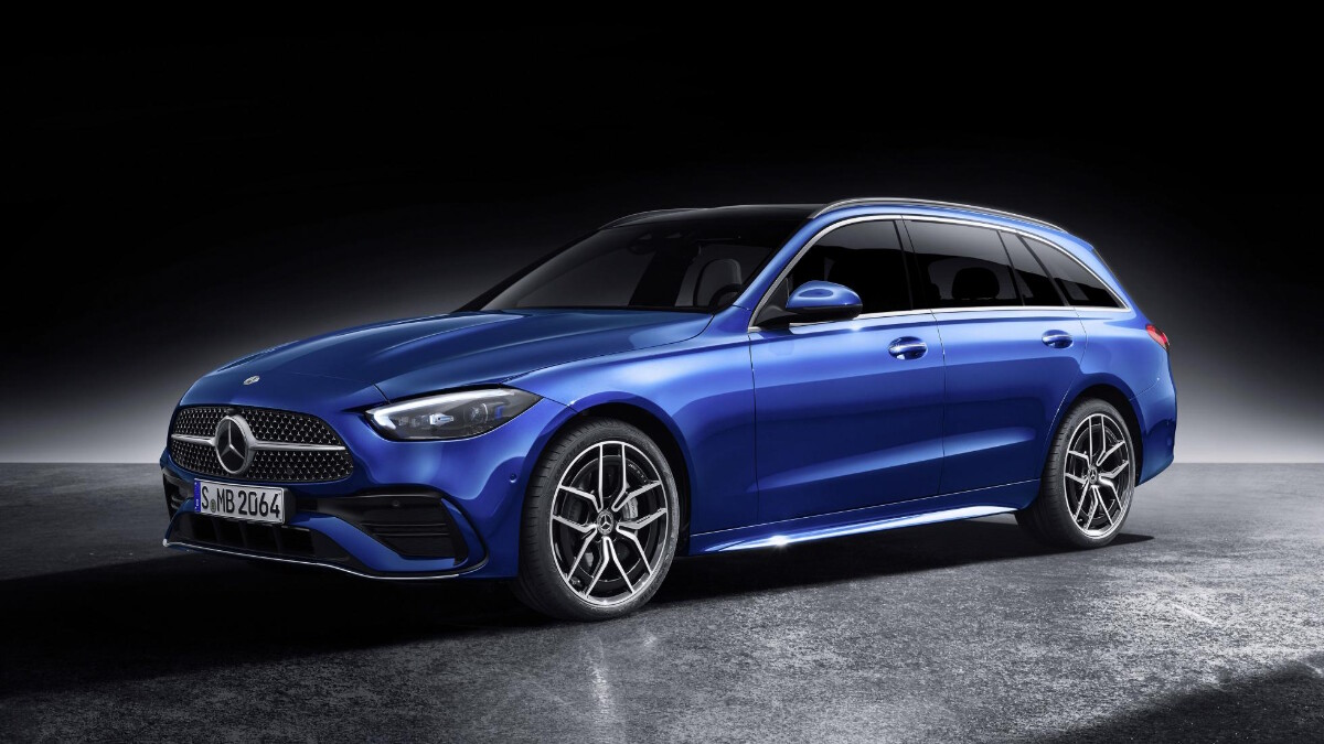 Mercedes-Benz C-Class in Blue front view alternative angle