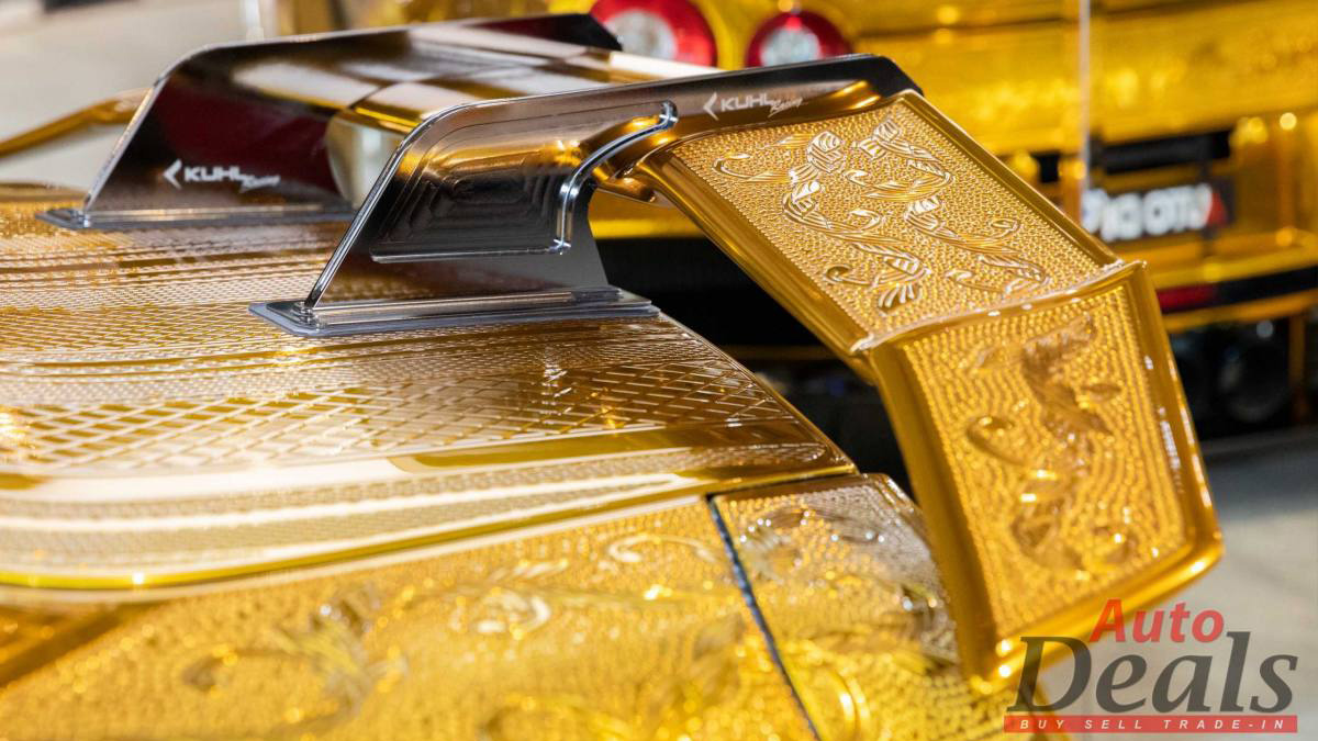 Gold-Plated Nissan GT-R Spoiler