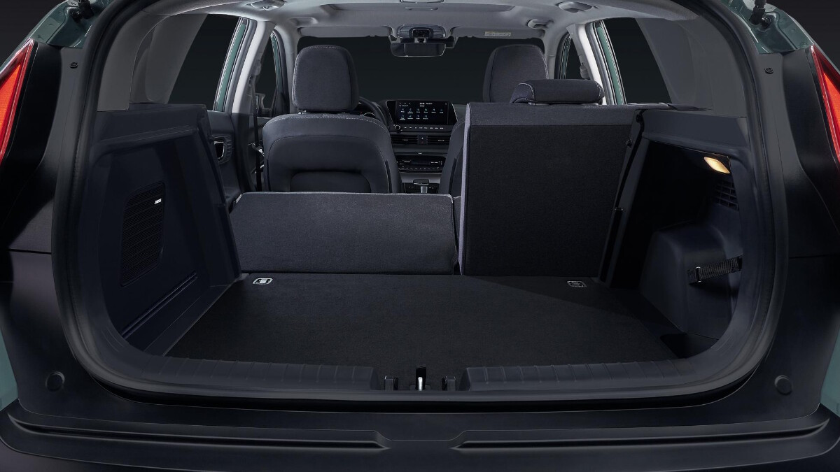 The Hyundai Bayon trunk and storage with one folded rear seat