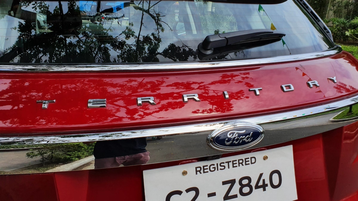 The 2021 Ford Territory emblem close up