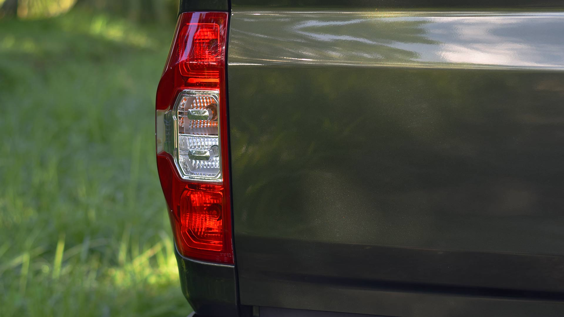 The Maxus T60 tail light right