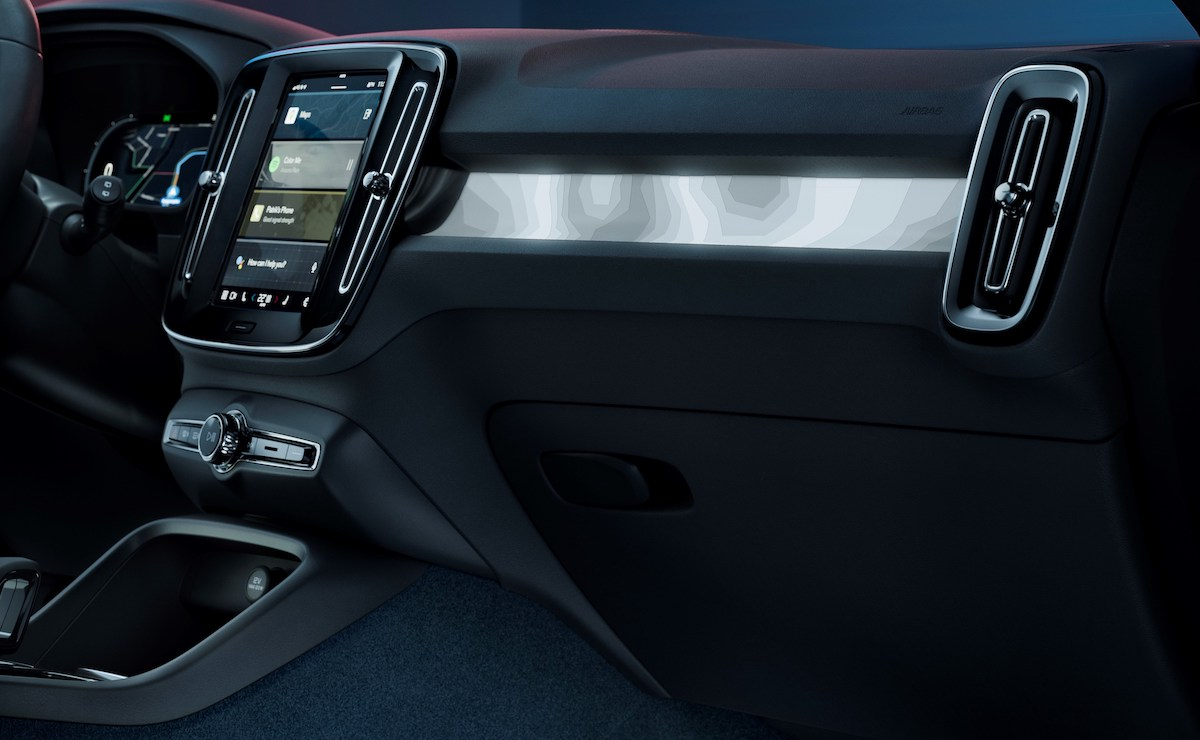 The Volvo C40 Recharge dashboard