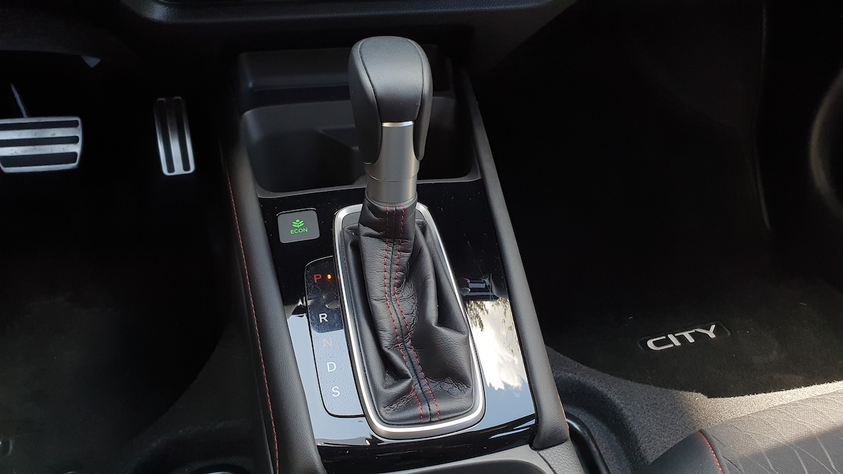 The 2021 Honda City gear stick