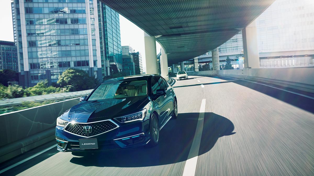 The Honda Legend Hybrid EX