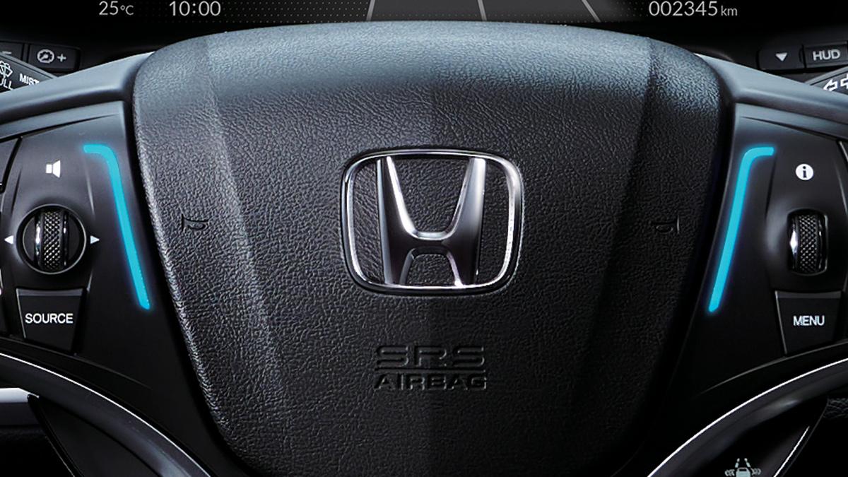 The Honda Legend Hybrid EX steering wheel sensors