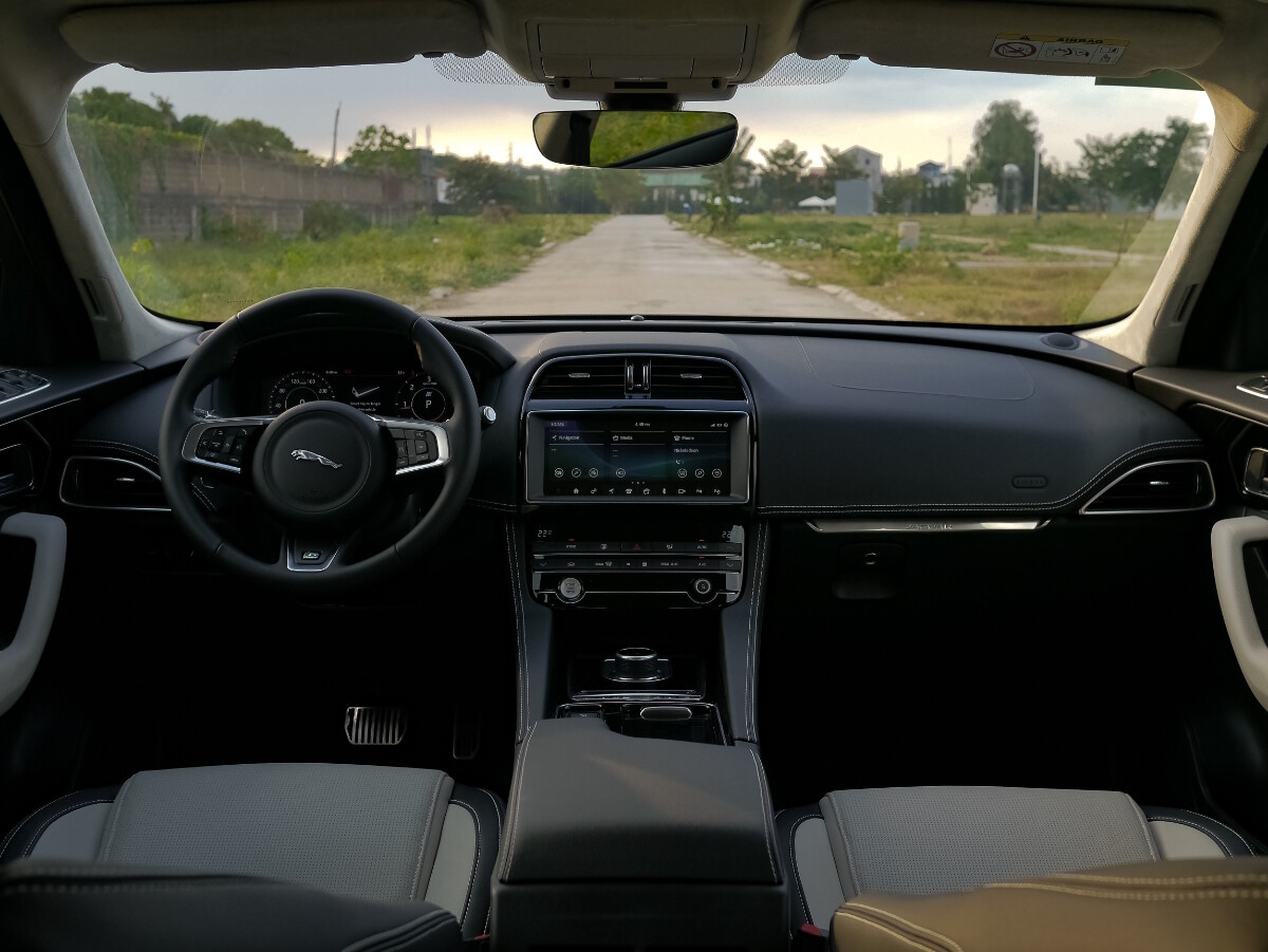 Jaguar F-Pace R-Sport Dashboard at Day