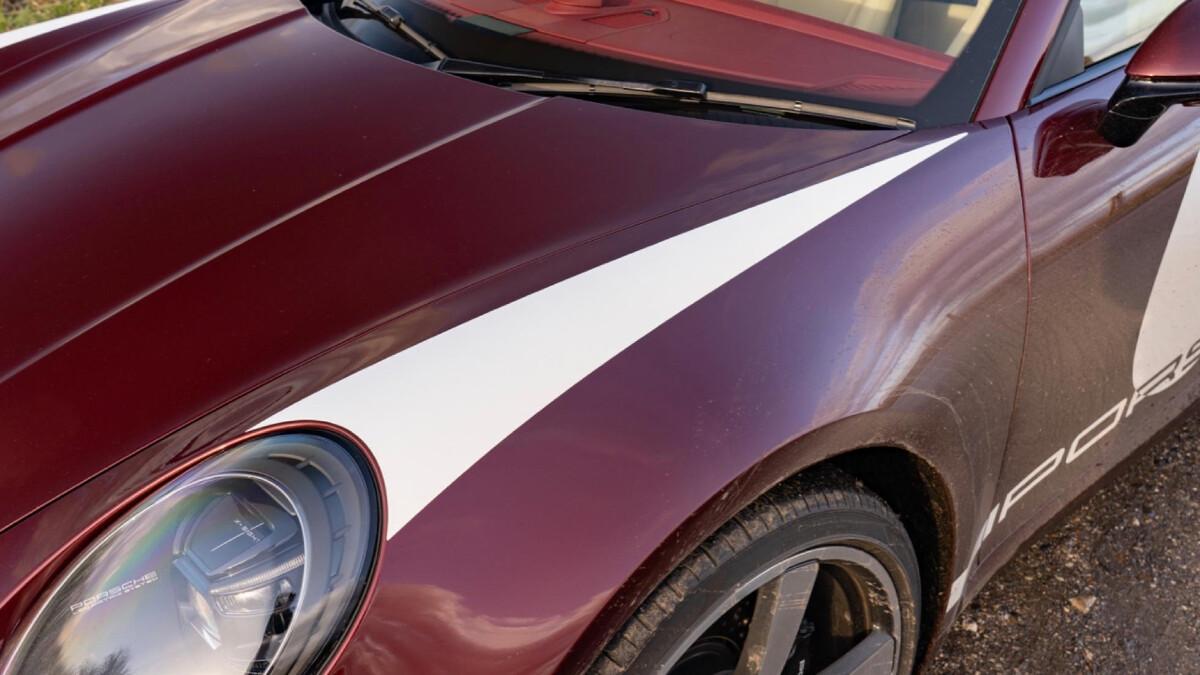 The Porsche 911 Targa 4S hood and decals