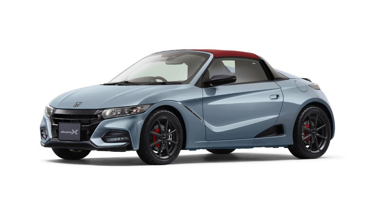 The Honda S660 in Blue