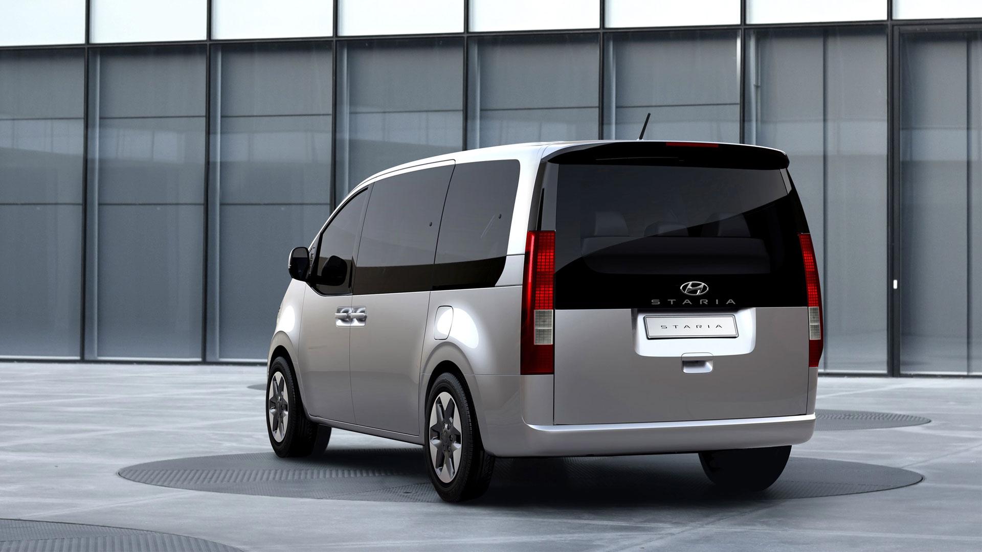 The Hyundai Staria alternative rear view