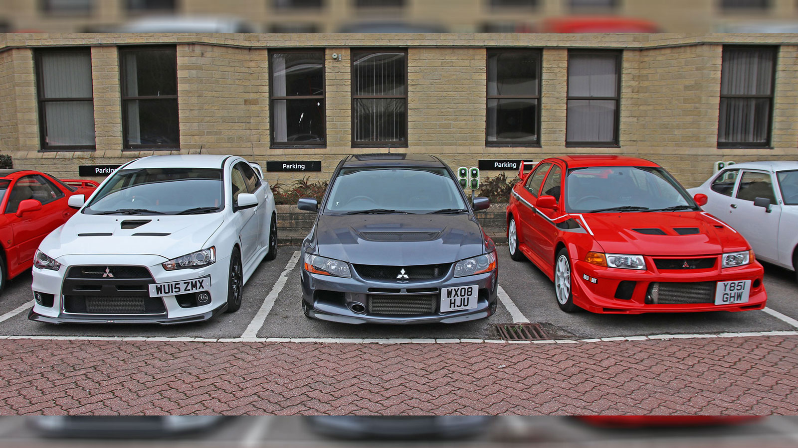 Mitsubishi Lancers in Auction in the UK
