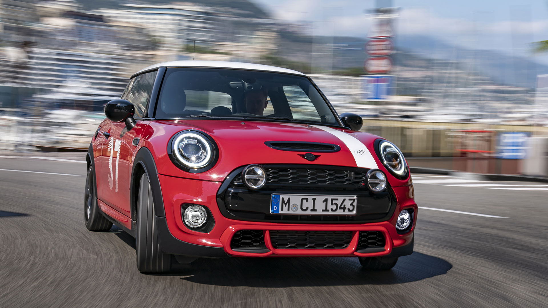 Mini Paddy Hopkirk Edition on the road