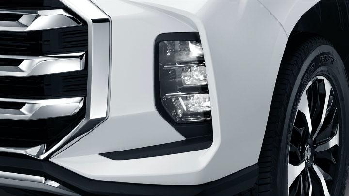 The 2021 MG Extender Fog Light
