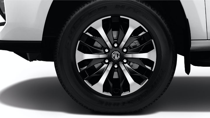 The 2021 MG Extender Rear Tire