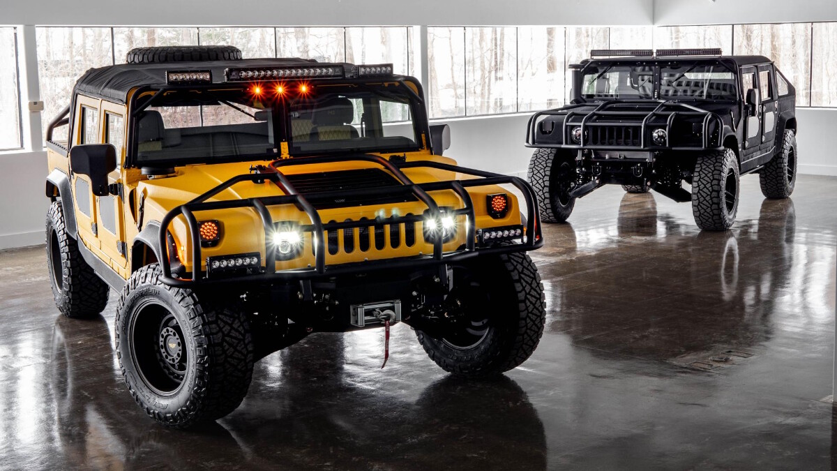 The Mil-Spec M1-R Black and Yellow