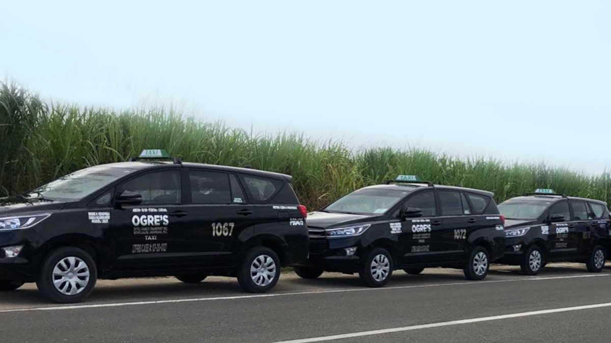 Toyota Hiace Commuter deluxe used as taxis in Cebu