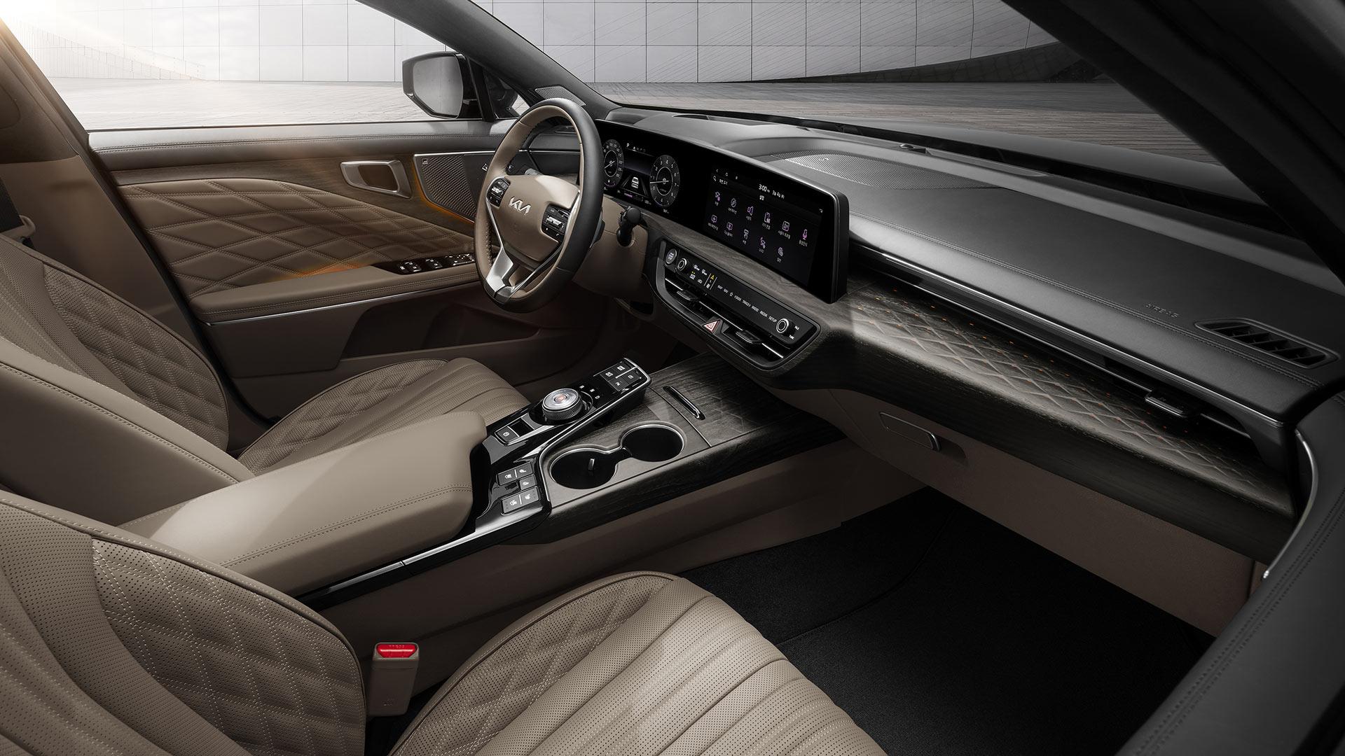 The Kia K8 Interior
