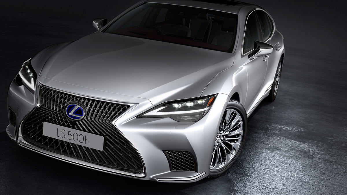 The Lexus LS Front Feature