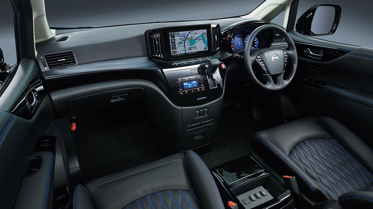 The Nissan Elgrand Dashboard