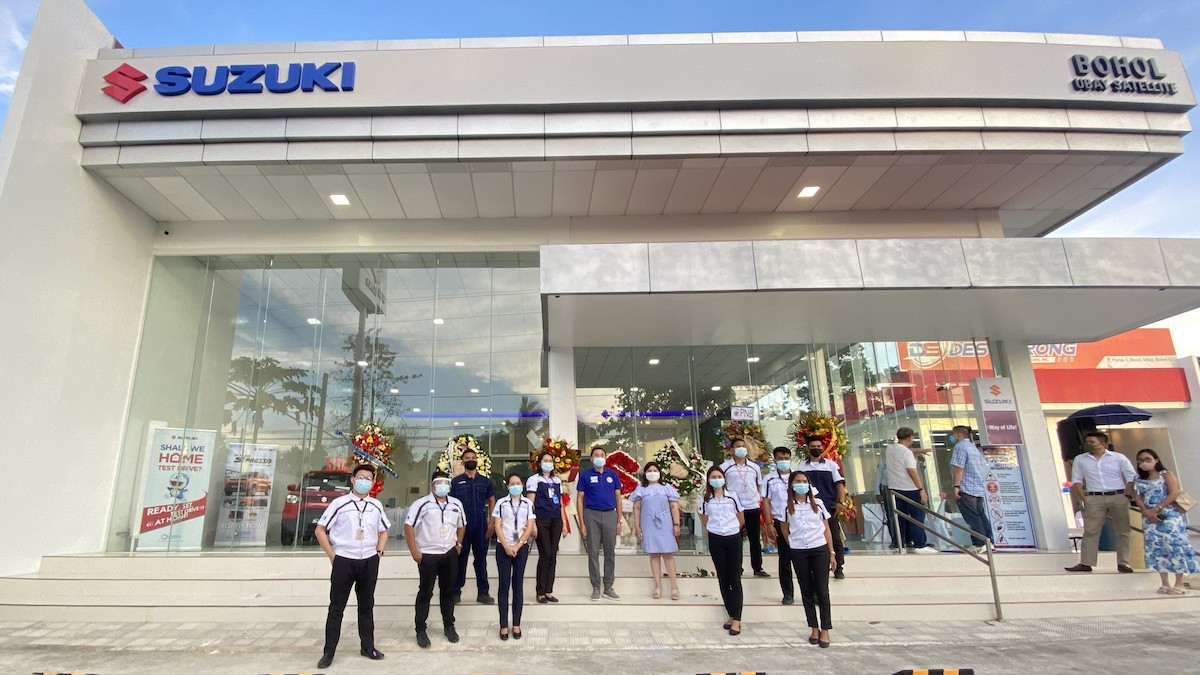Suzuki Ubay Staff at Opening Day