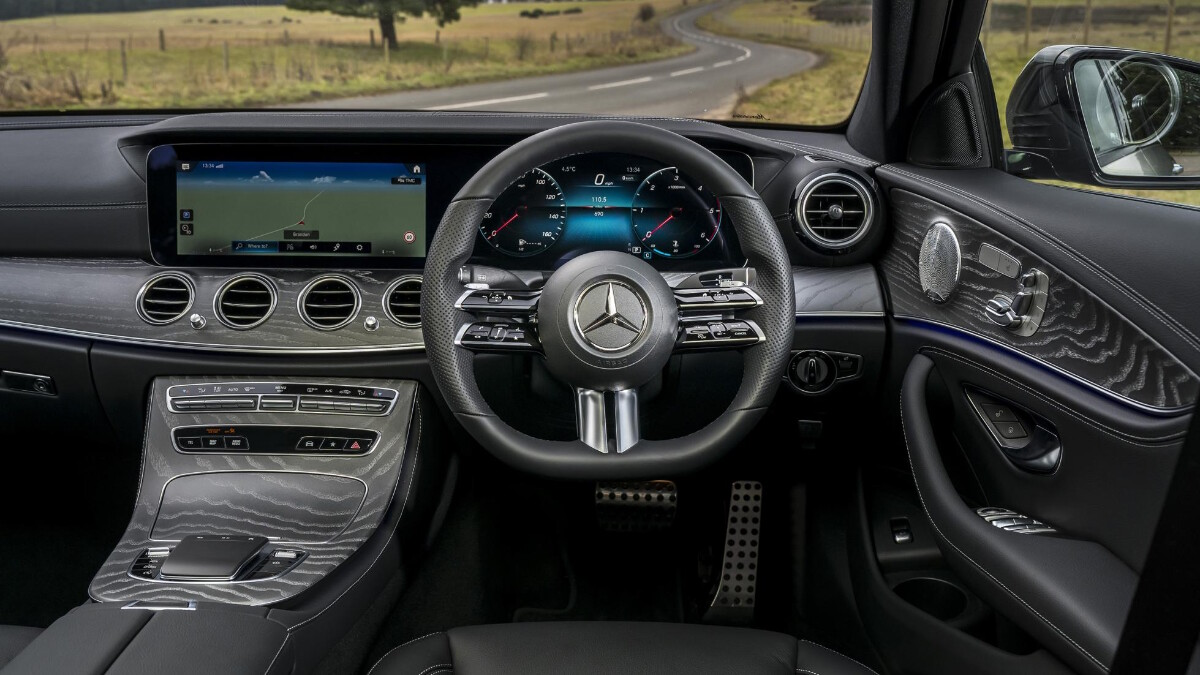 The Mercedes-Benz E220d Steering Wheel and Dashboard