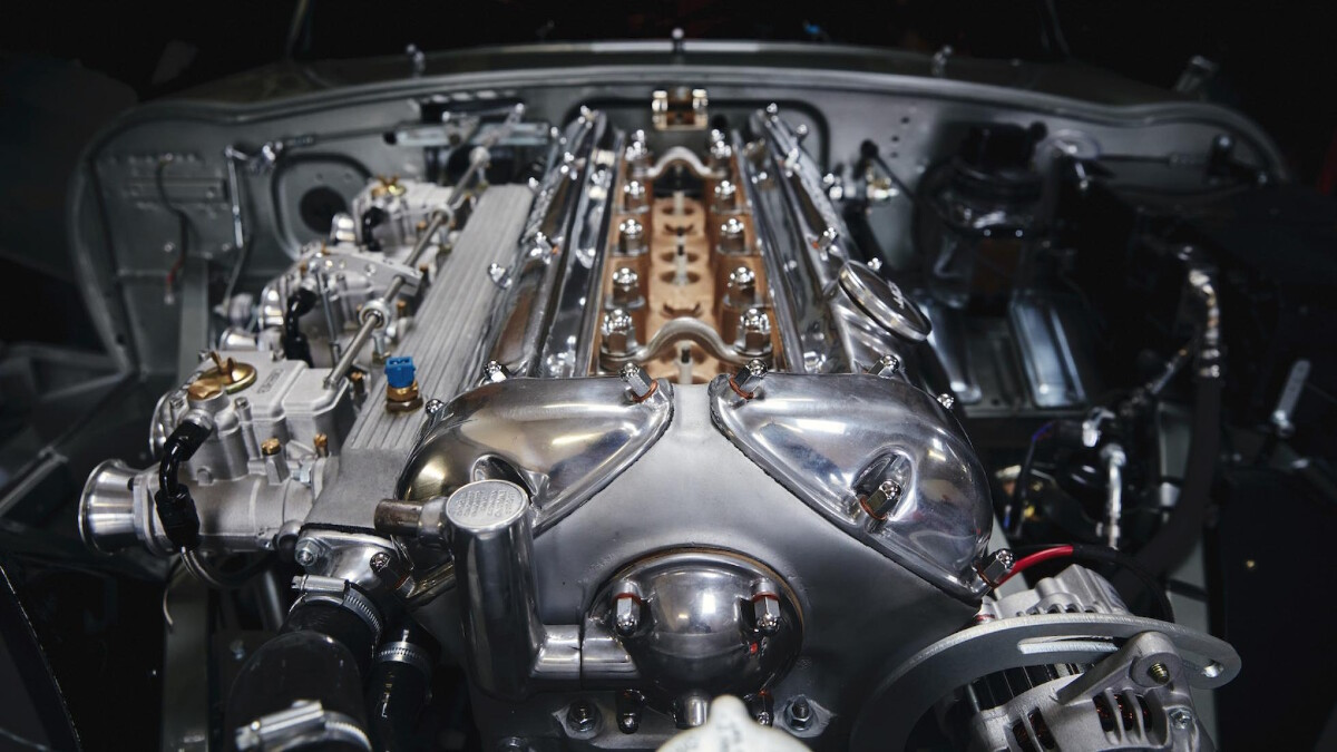 Helm's Jaguar E-Type Restomod Engine