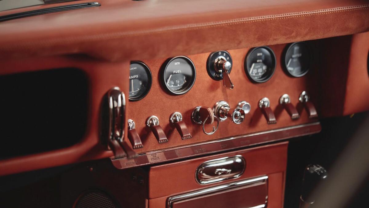 Helm's Jaguar E-Type Restomod Dashboard Control Panel