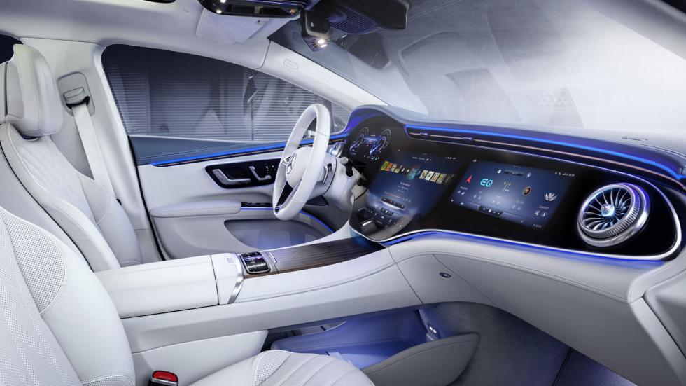The Mercedes-Benz EQS Dashboard Normal Light