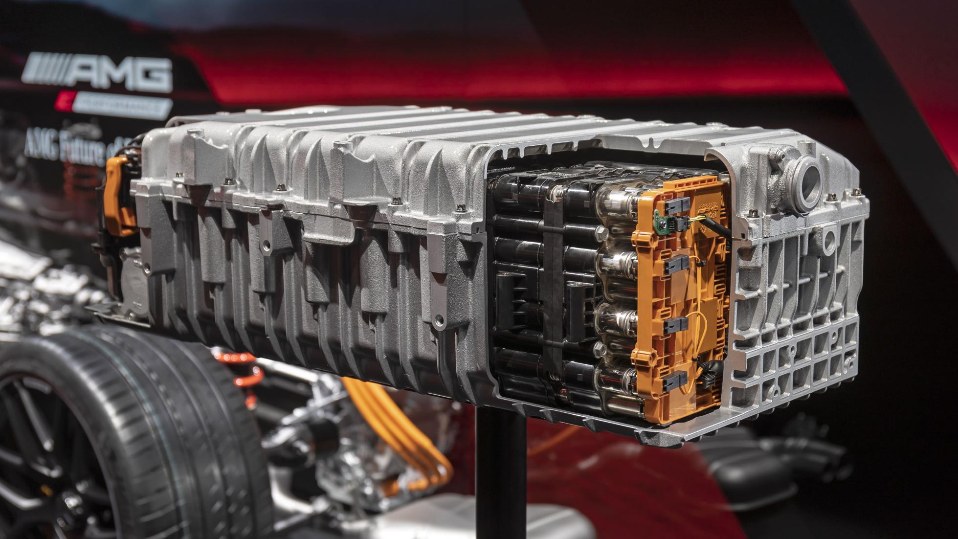 AMG C63 Engine Cross-Section