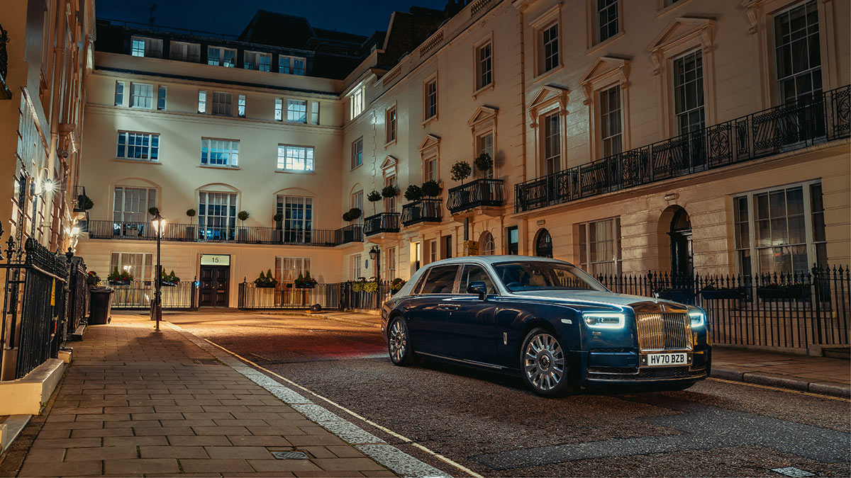 The Rolls-Royce Phantom Angled Front View