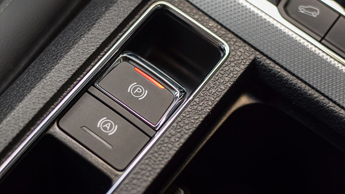 The MG RX5 Center Console Controls