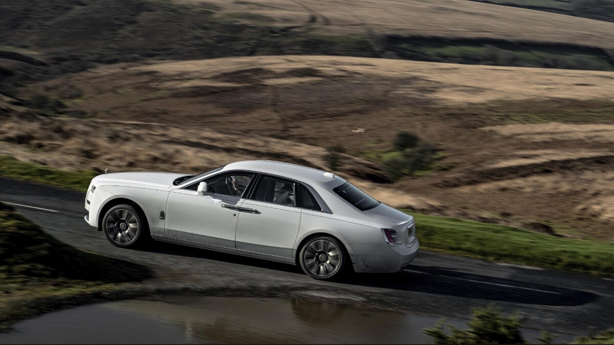 The Rolls-Royce Ghost Climbing an Incline