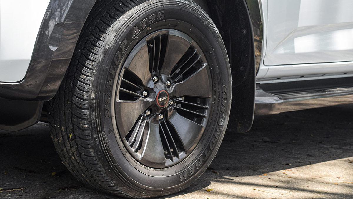 The 2021 Isuzu D-Max Front Tire