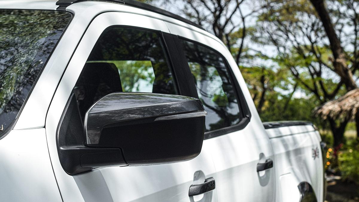 The 2021 Isuzu D-Max Side Mirror