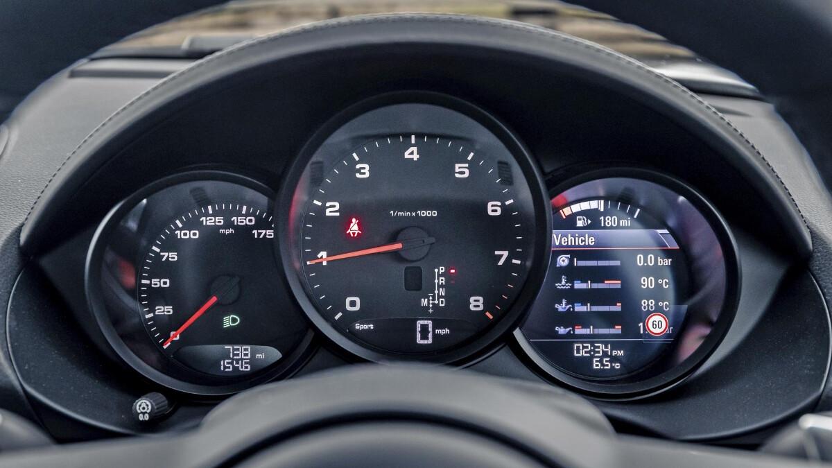 The Porsche 718 Cayman Odometer