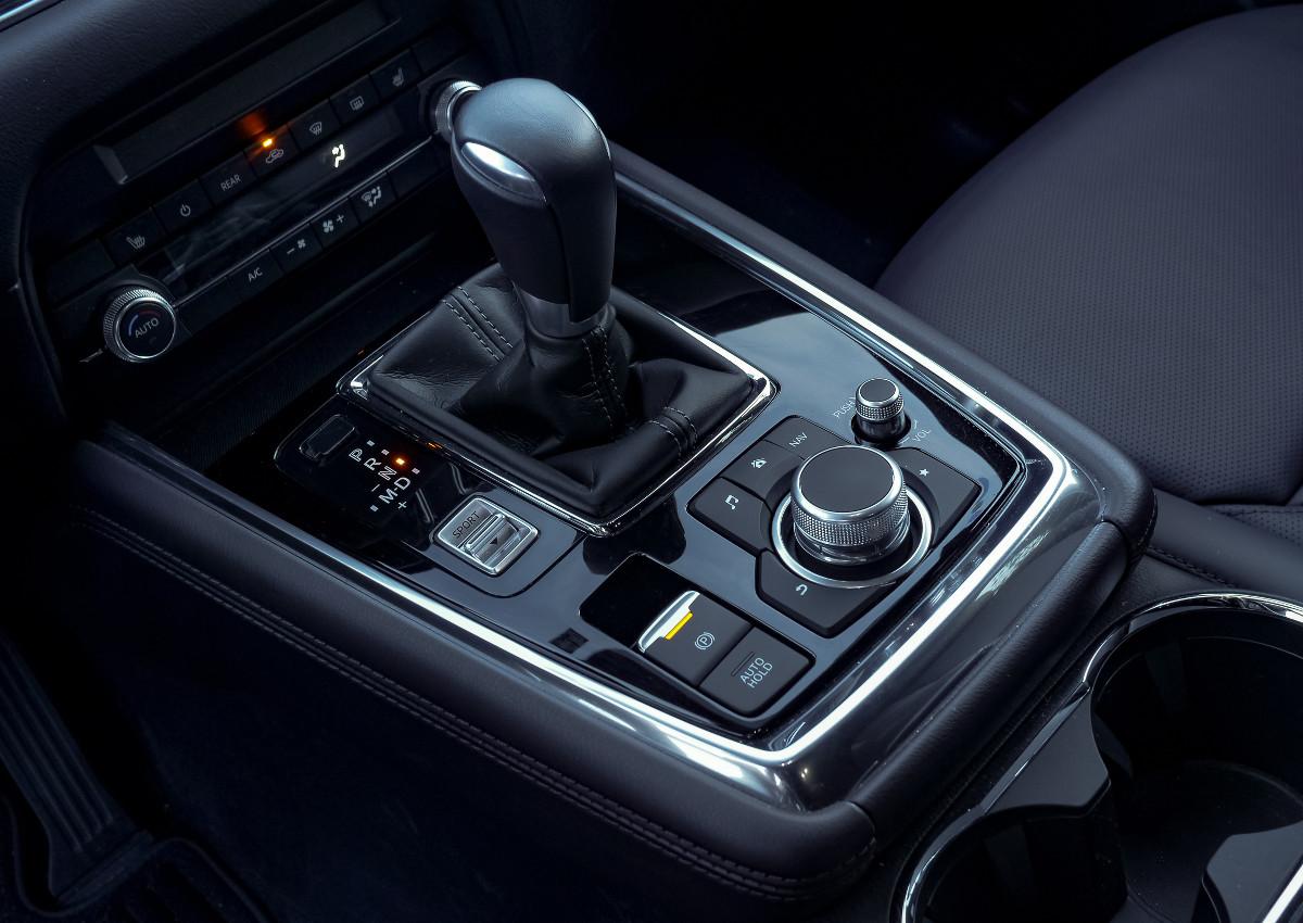 The Mazda CX-8 AWD Exclusive Gear Stick