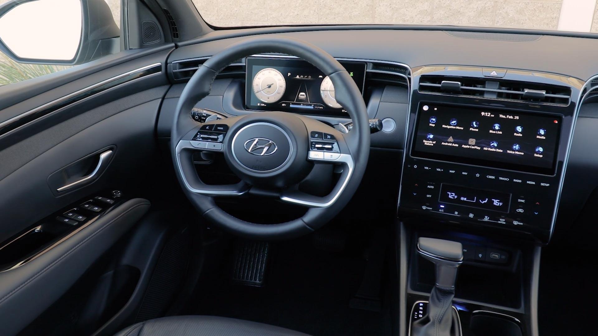 Hyundai Santa Cruz Steering Wheel and Center Console