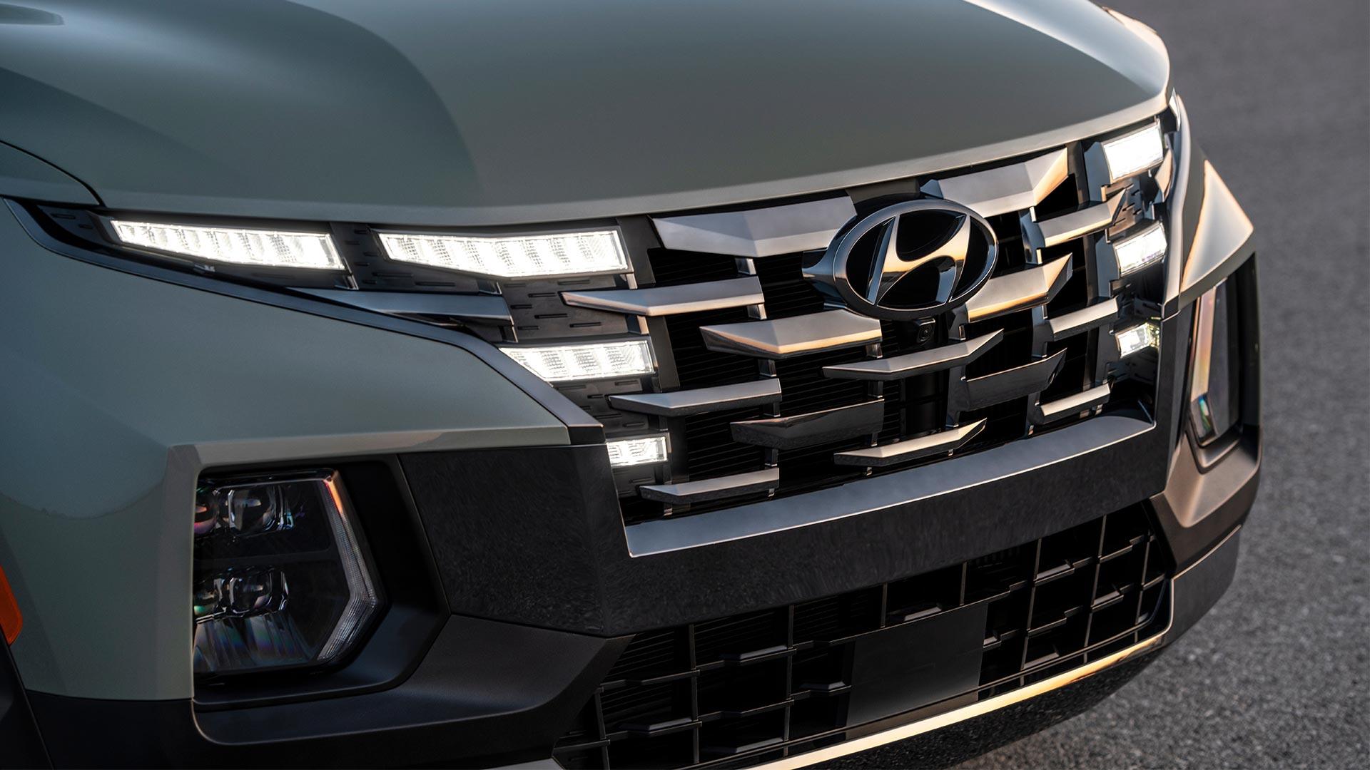 The Hyundai Santa Cruz Grille Closeup