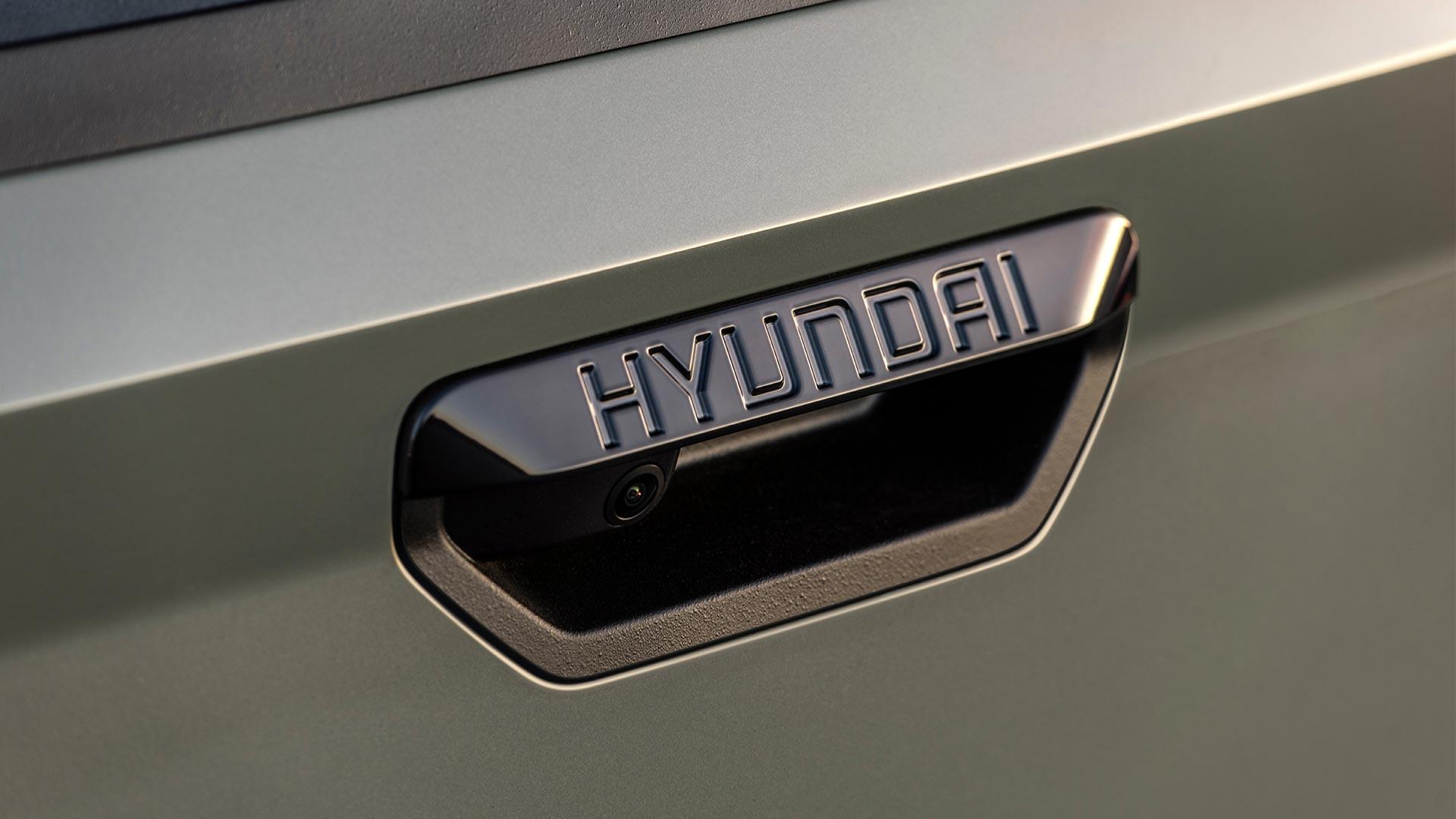 Hyundai Santa Cruz Handle Close Up