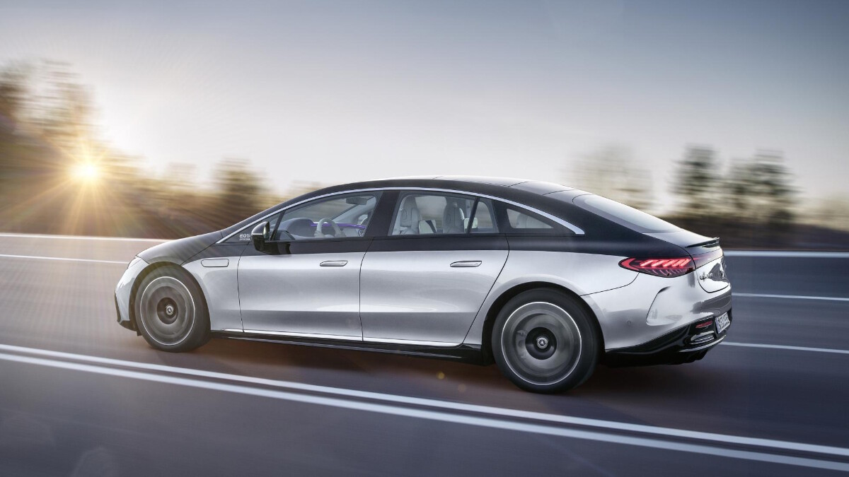 The Mercedes-Benz EQS Profile On the Road