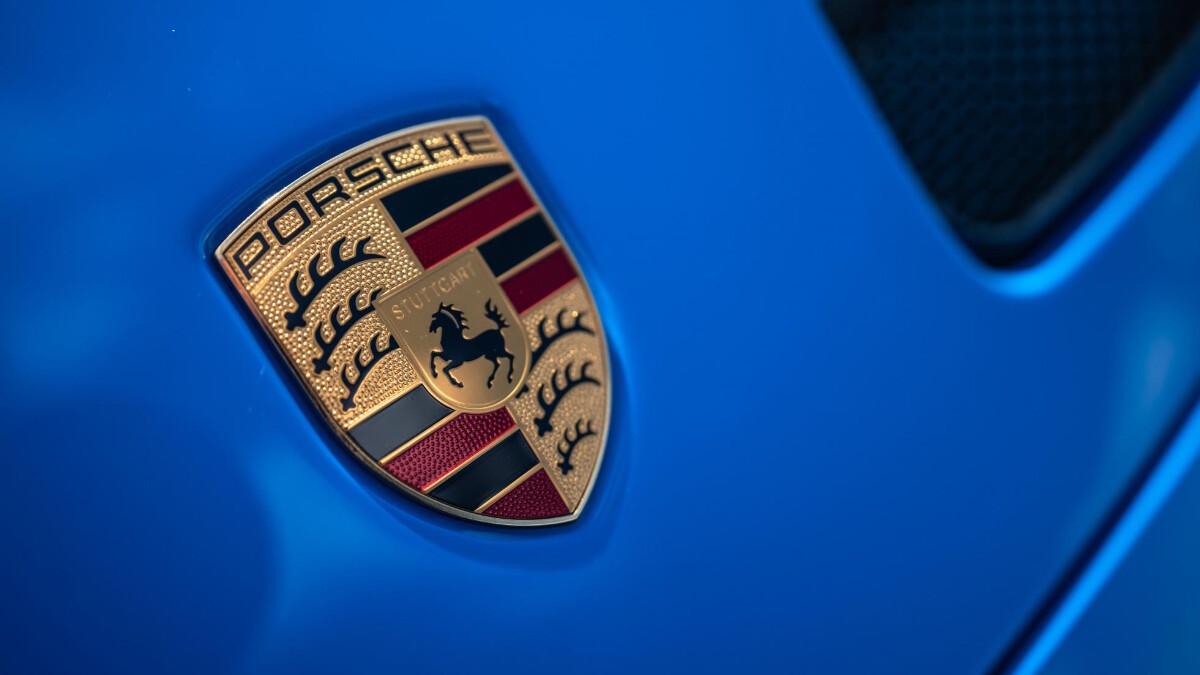 The Porsche 911 GT3 Emblem