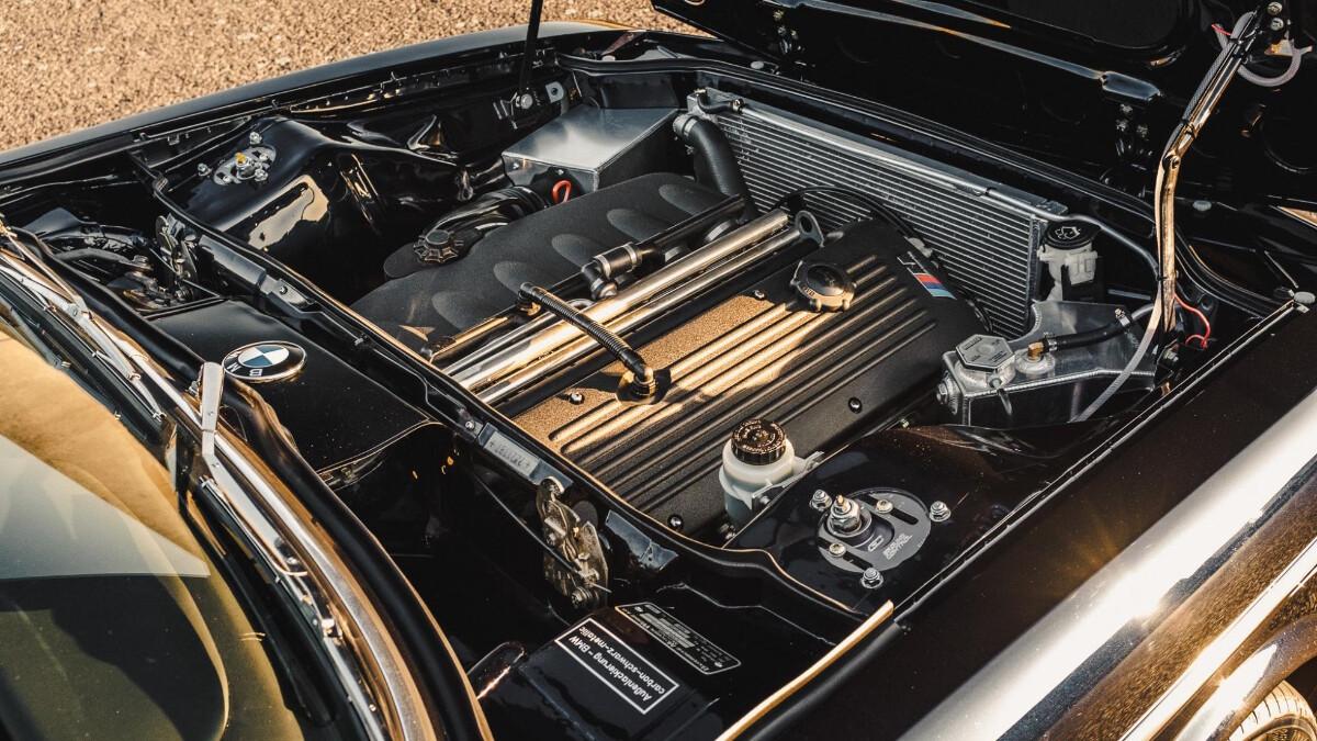 BMW 2800 CS by Fuel Bespoke Designs - Engine