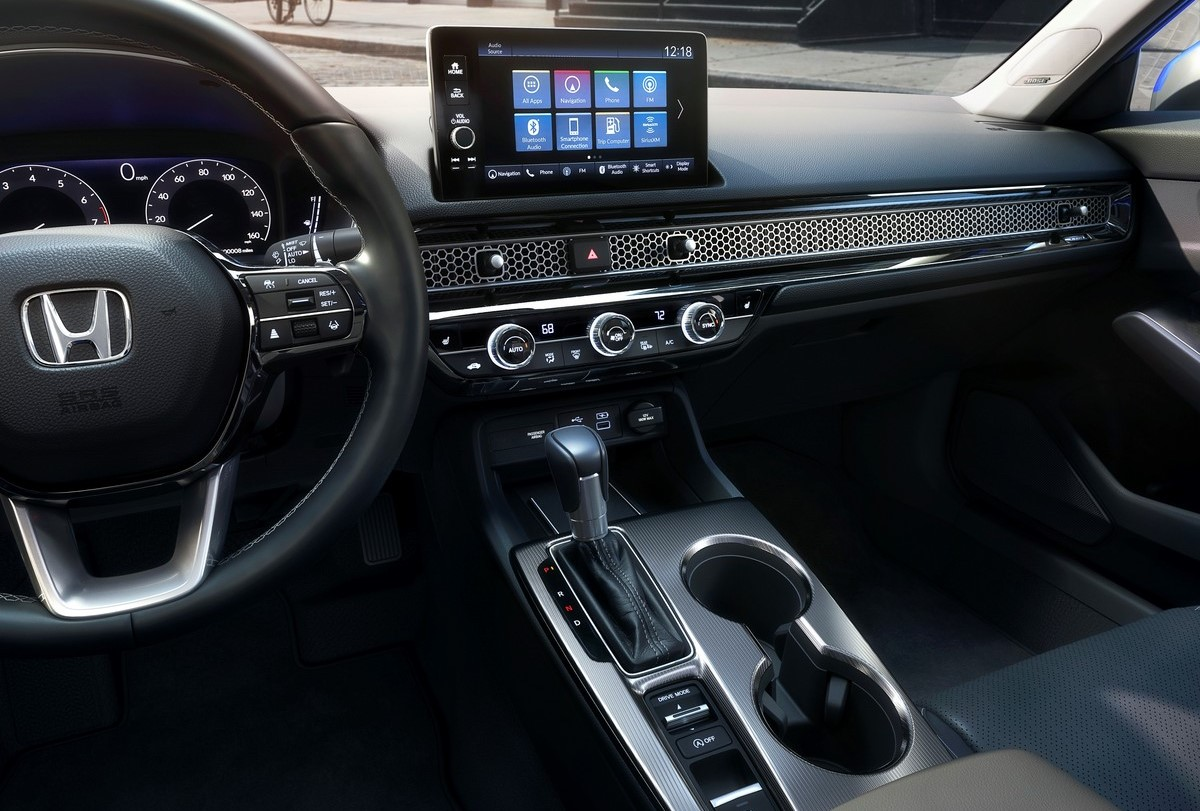 The 2022 Honda Civic Center Console and Dashboard