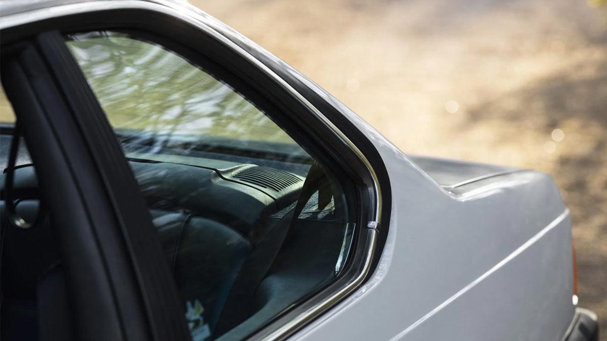 The 1984 BMW 633CSi Rear Passenger Window